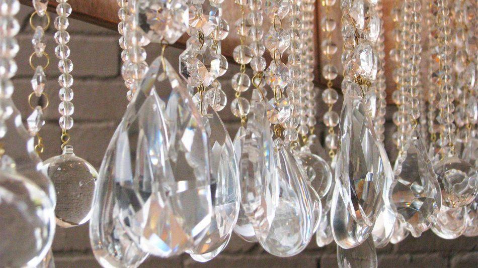 Lampadari A Gocce In Cristallo.Come Pulire Un Lampadario A Gocce O Con Cristalli Pendenti